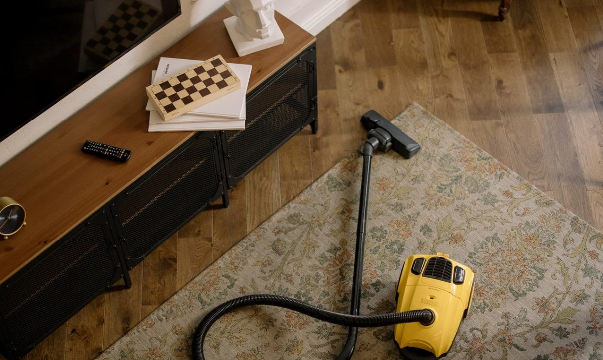 Why You Should Prefer Carpet Steam Cleaning Over DIY Cleaning Methods?